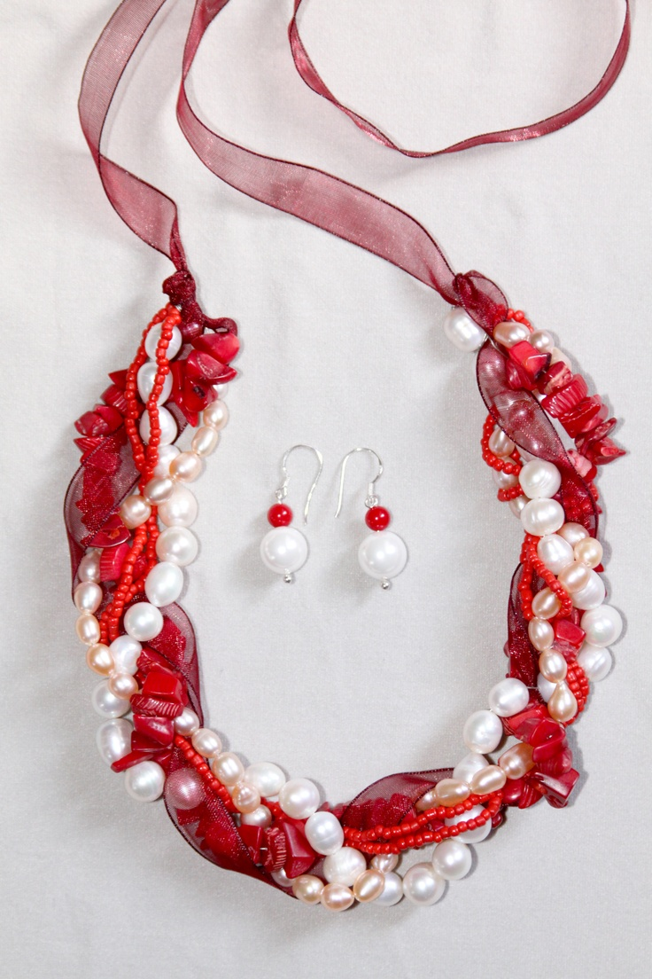 beautiful pearl and coral necklace...by Amethy