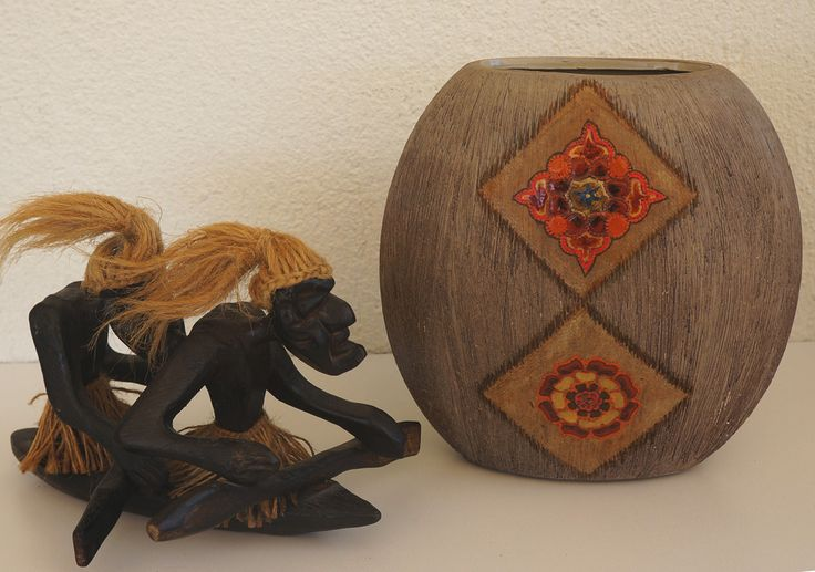A DIY makeover of a ceramic Vase using Tea Bags - Art Maker Wiz