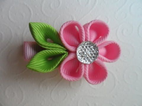 Милая заколка для волос Канзаши / Sweet hairpin Kanzashi - YouTube.  Bow Dazzling Volunteers, this is a sweet and easy Kanzashi hair clip tutorial that the girls in the hospitals would love.