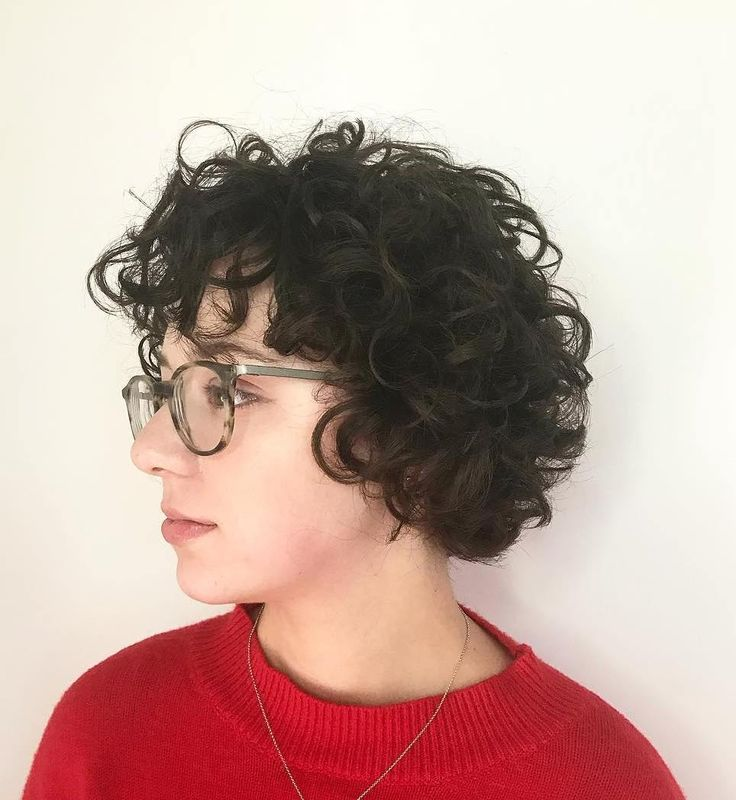 Messy Hairstyle with Short Large Curls