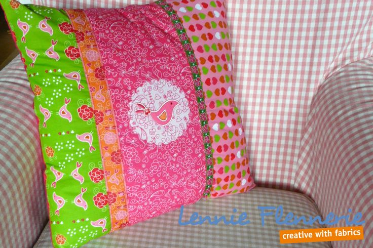 Kussen, pillow, fabrics Lennie Flennerie, Iron on foil, applique, bird, vogel
