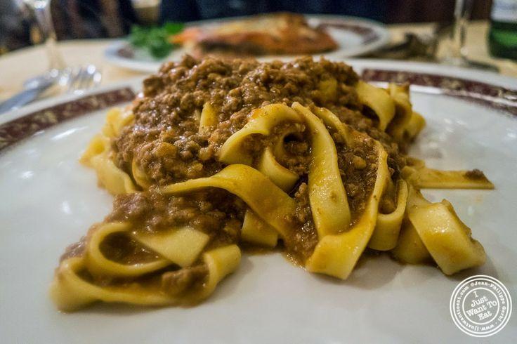 image of tagliatelle al ragu at Mamma Gina in Florence, Italy