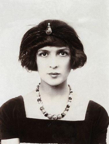 Julia James, 1914: Julia James, 1914  Beautiful