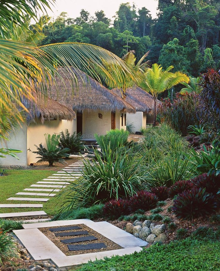 Queensland Holiday Houses.  Executive Retreats offer the best selection of holiday houses in Tropical North Queensland.  http://www.executiveretreats.com.au/ This is Bali Hai.
