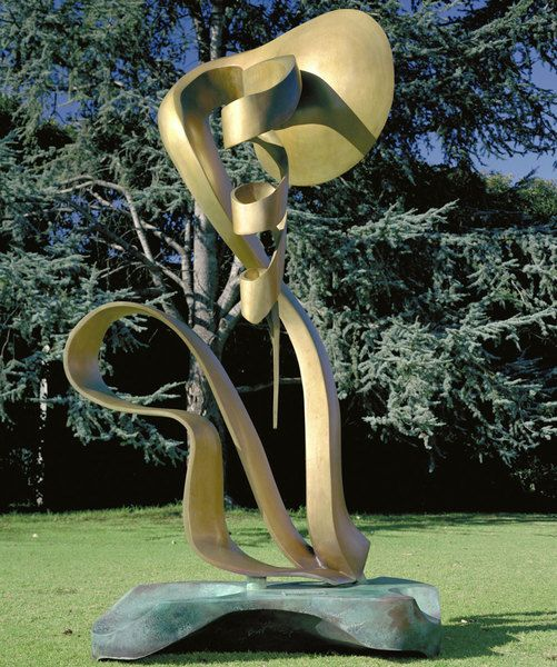 Evolving by Andrew Rogers, 1996. Bronze.
