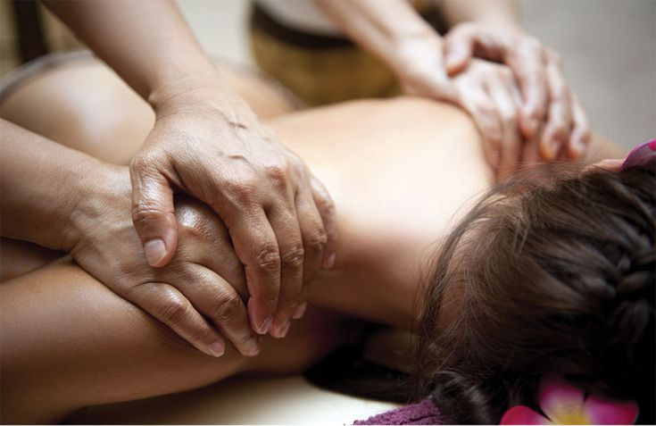 It is an expensive message therapy where two therapists work simultaneously on one customer to remove tension and muscle pains. It also helps in rejuvenating your body, mind and senses. It is a great experience for spa-goers.