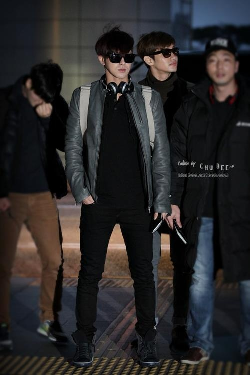 dbsk airport fashion *___* like serious. Who looks that great at an airport?