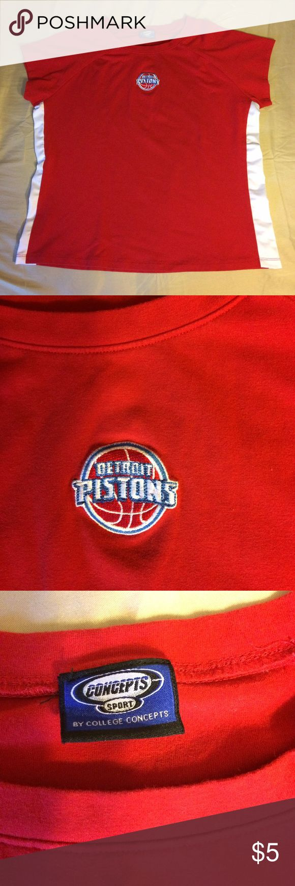 Red Detroit pistons t-shirt Red Detroit pistons T-shirt with a patch in the middle. White, mesh material on the sides Tops Tees - Short Sleeve