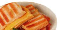 Kaasrecepten van Kaasboerderij Doruvael in Montfoort. Het rood-bacterie-kaasje Le Petit Doruvael werd door de publieksjury uitgeroepen als winnaar van streekproduct het Jaar 2004. De verkiezing vond plaats tijdens de Kunsthal-Kookt. U herkent Le Petit Doruvael aan de opvallende rood-oranje kleur. Het jonge kaasje is smeuïg en zacht van smaak. Le Petit Doruvael is heerlijk als dessertkaasje en smaakt uitstekend bij een goed glas wijn.