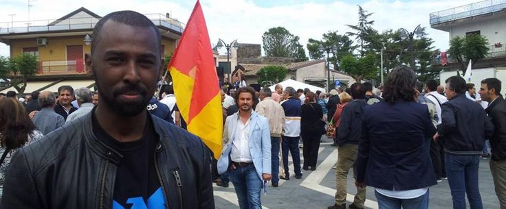 «Sporco negro», insulti dai sostenitori di Matteo Salvini