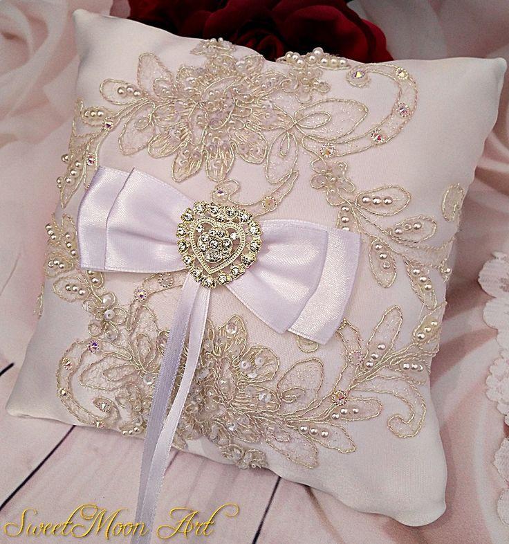 Cojín para anillos, cojín boda blanco, almohada boda, cojín alianzas blanco, cojín anillo boda, almohada encaje, regalo boda, accesorio boda de SweetMoonArt en Etsy