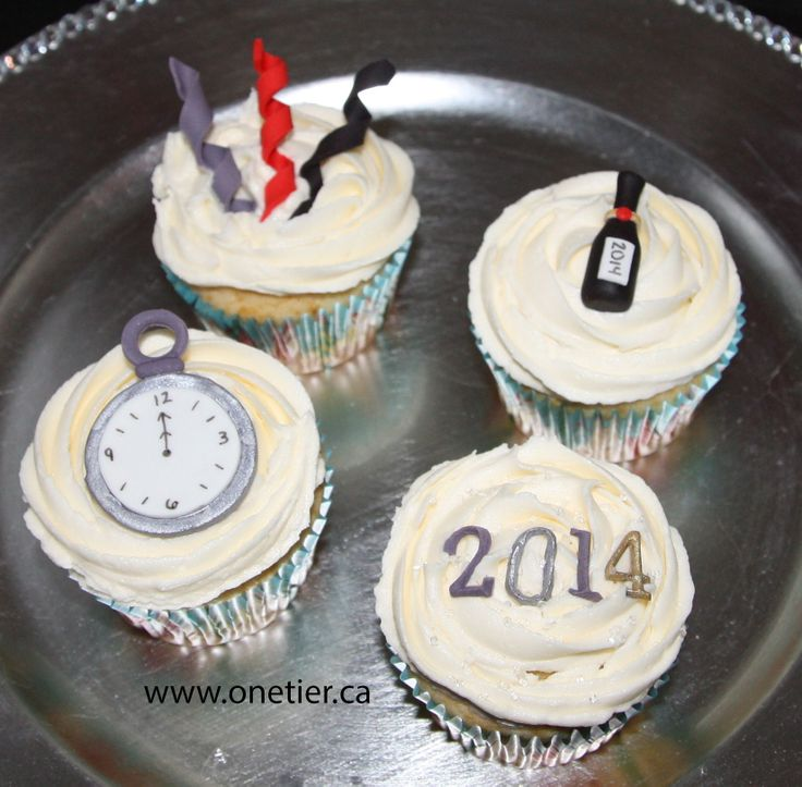New Year's champagne flavoured cupcakes
