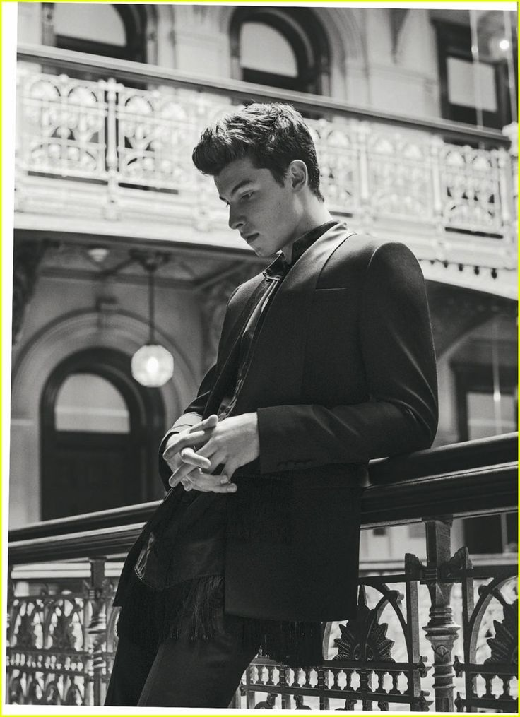 Shawn Mendes Goes Shirtless for Sexy 'L'Uomo Vogue' Shoot!