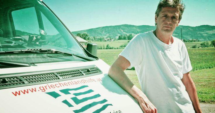 Το καλοκαίρι του 2012 ο Αυστριακός #Erwin_Schrümpf παρακολούθησε από το σπίτι του στo Σάλτσμπουργκ ένα ρεπορτάζ για την ελληνική κρίση και την οδυνηρή κατάσταση των ελληνικών νοσοκομείων. Έναν μήνα μετά...πήρε αποφάσεις που αλλάξαν τη ζωή του. ---------------------------------------------- #solidarity #volunteer #fragilemagGR http://fragilemag.gr/erwin-schrumpf/
