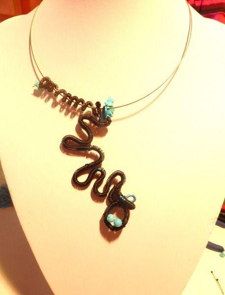 collier ras de cou forme serpent turquoise de classic-ethnic sur DaWanda.com