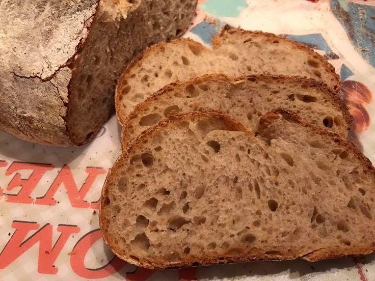 Pane simil Lariano con farina Tipo 2 un pane con una farina semi integrale che si lavora tranquillamente a mano senza planetaria