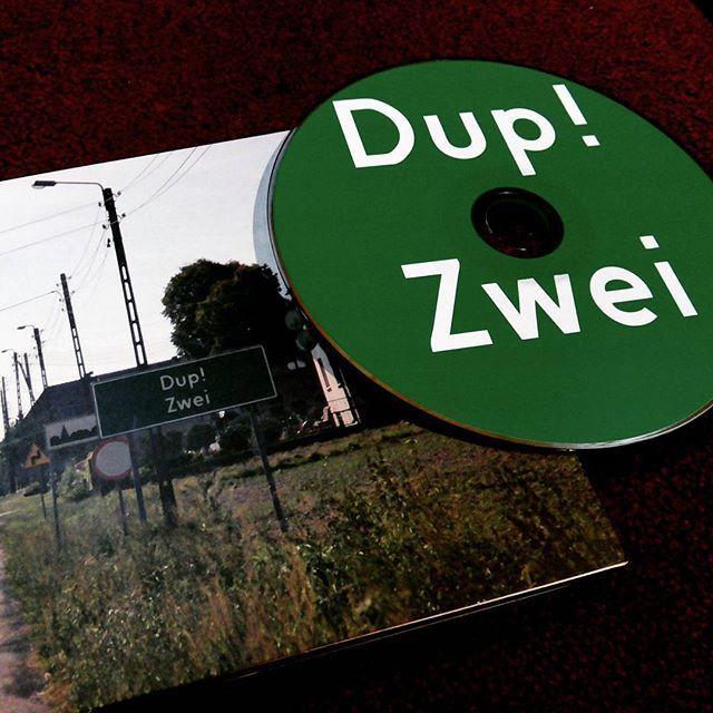 Dup! Zwei. Pod tą enigmatyczną nazwą kryje się całkiem spoko muza. #muzyka #plyta #audio #cd #music #dub #reggae #TwojaKulturaPL #karrotkommando
