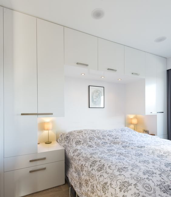 Wardrobe around bed straight profiles: