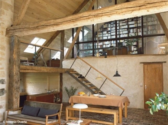 Farmhouse renovated room. Lofted library in French farmhouse