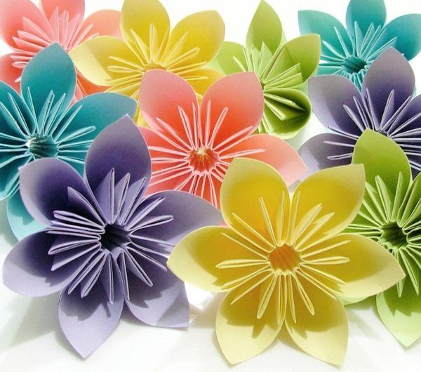 fleurs en origami tuto. Black Bedroom Furniture Sets. Home Design Ideas