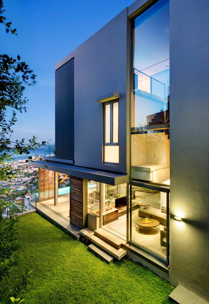 Head Road 1816, Cape Town, South Africa by SAOTA - Stefan Antoni Olmesdahl Truen Architects. Love that this is from 1816. The innovation of architecture began so long ago! Look how modern this looks!