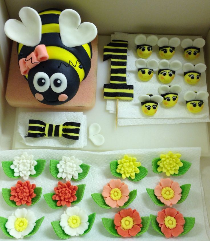 Decorations For Bumble Bee Cake