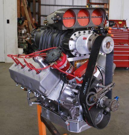 (526 Blown HEMI Motor)