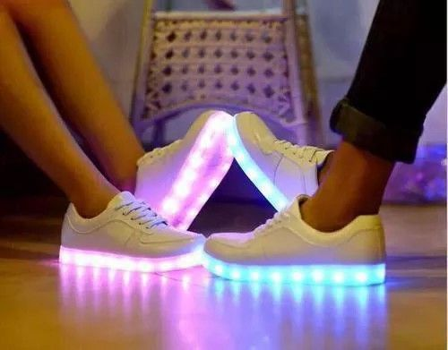 2014 New Fashion Lovers Couple Sneaker Trainer LED Light Sport Dancing Shoes