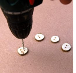 Home-Dzine - Make your own wooden buttons