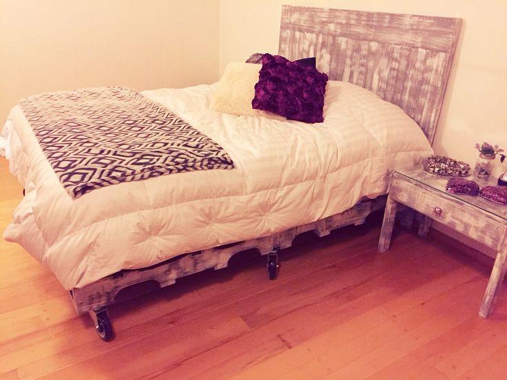 M s de 1000 ideas sobre cabeceras reina de palets en for Cabeceras de cama queen size