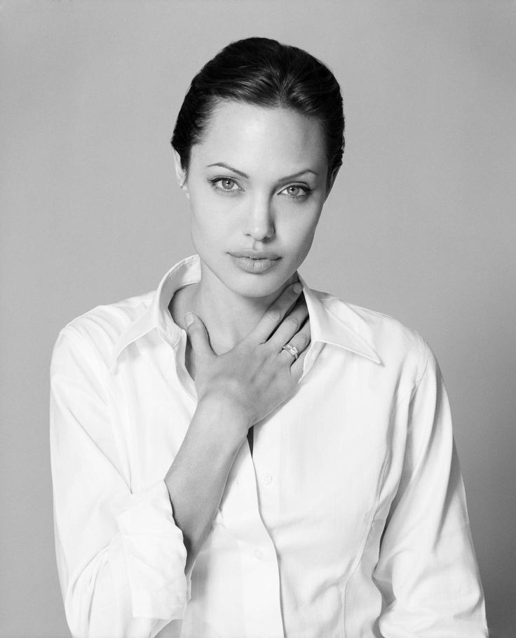 Angelina Jolie - Escape