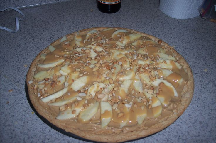Caramel Apple Pizza | Desserts | Pinterest