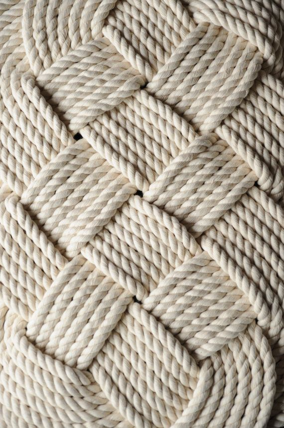 Best 25 nautical bath ideas on pinterest lake bathroom for Rope bath mat