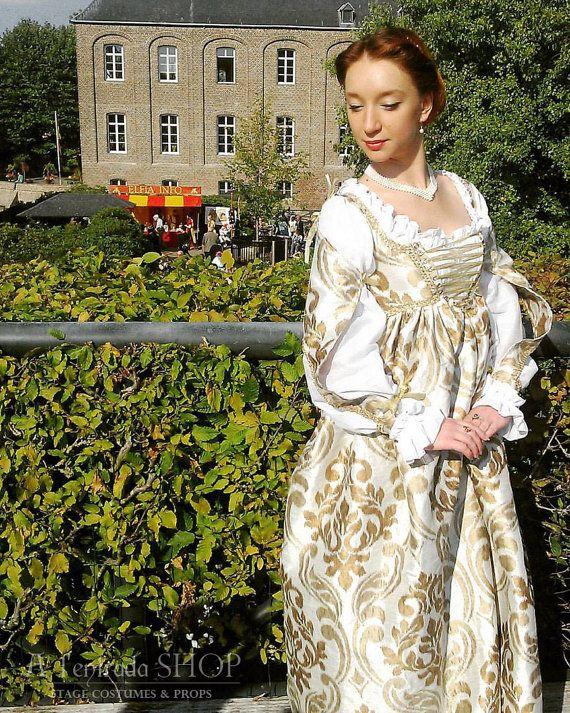 Borgia Renaissance gown Italian fashion. 15th by AlentradaSHOP
