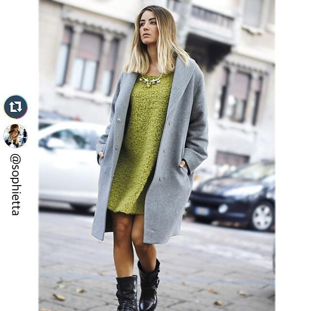 Weekend mood in 120%, autumn colors in town. #120percento #120cashmere #outfit #autumn #blogger #weekend #fashion #mood #Monday #Milano #streetstyle  #Repost @sophietta with @repostapp. ・・・ SundaySunday Promenade♥️ Wearing a super comfy outft in town  Coat @pesericoitaly Dress  @120percento NeckLace  @stroiliofficial Boots  @cristiangofficial ♥️ Buona Domenica