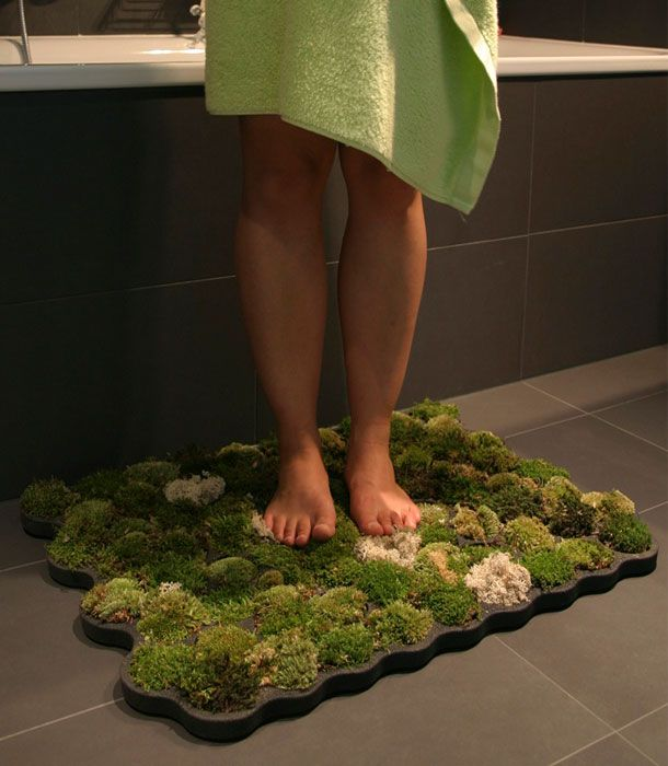 Living Moss Bath Mat Constructed of a decay-resistant foam called plastazote, this bath mat is a nursery for three varieties of living moss: ball mass, island moss and forest moss. The humidity of the bathroom and the drops flowing from the body, water the mosses. Great feeling to your feet are guaranteed! (Designer: Nguyen La Chanh)
