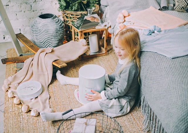 Christmas fairytale & lot of wonderful presents 🎁 all by LaPetiteJoie.com On the picture: Soft & cozy merino wool blanket #la_petite_joie_wool & baby collection of wonderful 100% cotton blankets #la_petite_joie_baby .