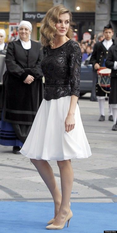 spanishroyals:  Crown Princess Letizia arrives at the 2012 Prince of Asturias Award Ceremony.