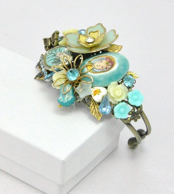 Vintage Jewellery Wedding Bouquets : Best images about vintage costume jewelry bridal