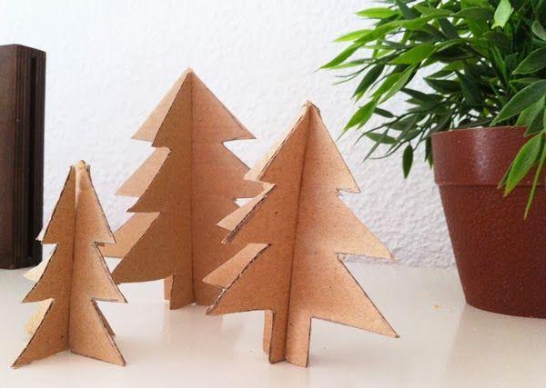 Cómo hacer un árbol para Navidad de cartón
