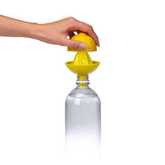 pratique le presse-agrumes adapté aux bouteilles: Citrus, Bottle
