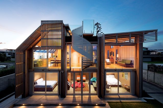 With only 280m² to play with, architect Geoff Lentz was tasked with designing a holiday home to be enjoyed by family and friends.