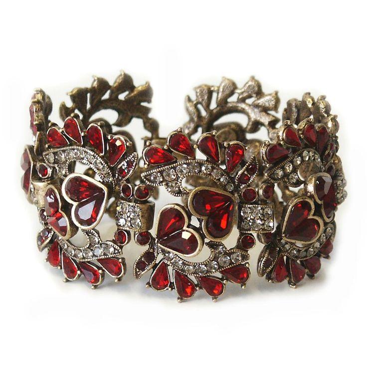 A garnet bracelet for you girls born in January! Gorgeous piece/