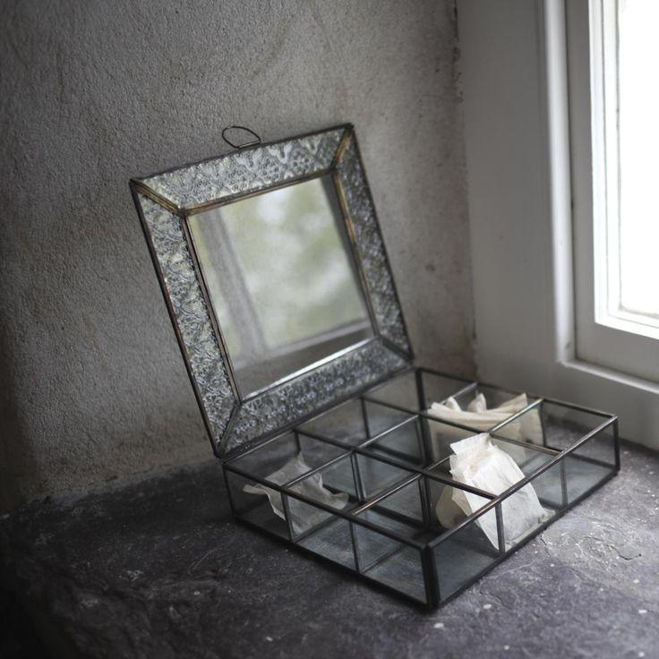 For jewellery not tea :) Darjeeling Tea Box