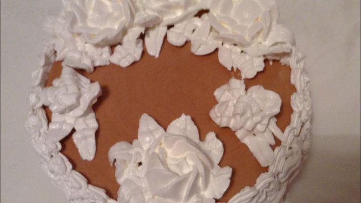 Муссовый торт . Шоколадный муссовый торт . Нежный , вкусный .