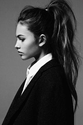 Coiffure-cheveux-longs-belle-photo-noir-et-blanc-couette