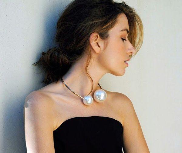 Collar dorado con dos perlas de fantasia grandes comprar online Chile