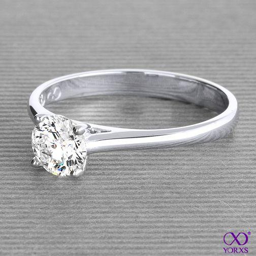 Dina in white gold with a 0,8 carat diamond #Yorxs #Diamantring #Verlobungsring