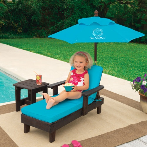 Sun Smarties Outdoor Chaise With Umbrella And Table So Want These For