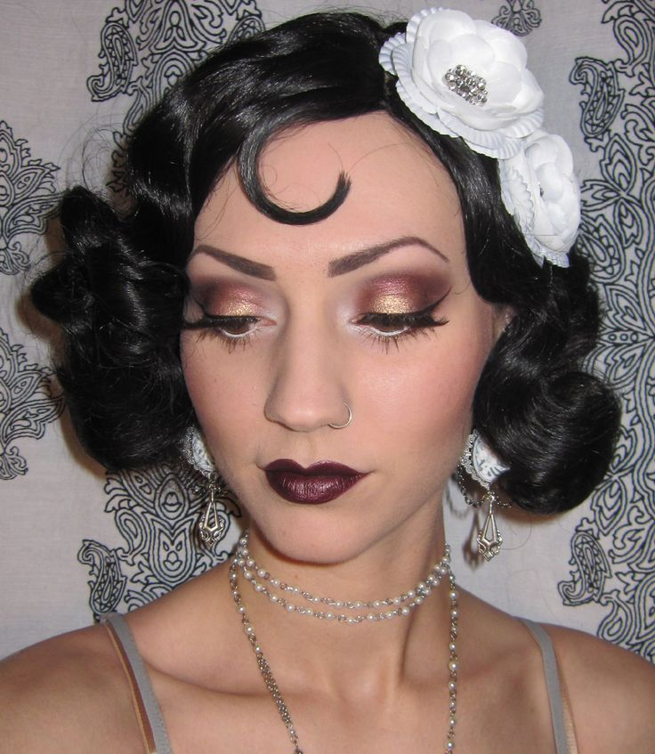 Glitter is my crack...: 1920's Flapper Makeup/Costume look + Halloween Bash pictures